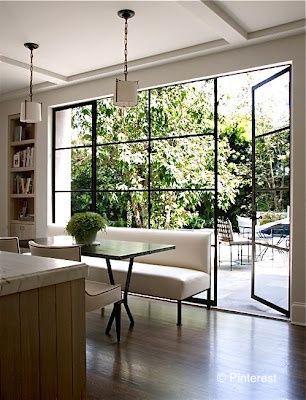 grande baie vitrée lumineuse