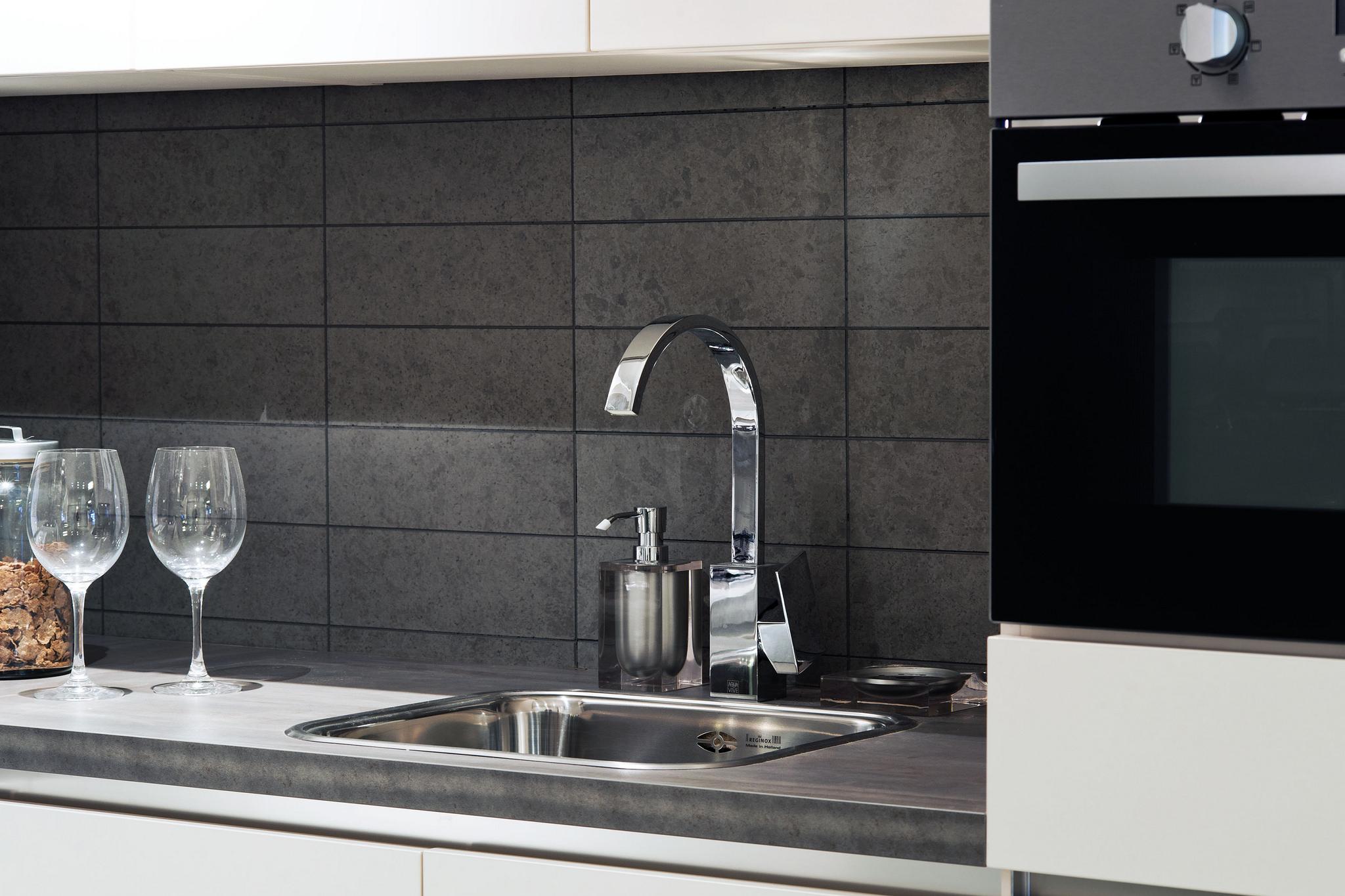 keuken nieuwe tegels : Handigste Oplossingen Voor De Achterwand In De Keuken Solvari